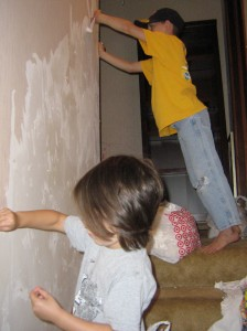 How to Remove Wallpaper Without Using a