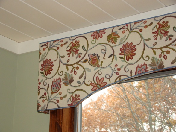 What Is A Valance And How Is It Different Than A Cornice