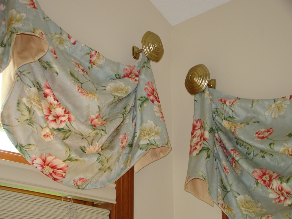 sunroom valance detail