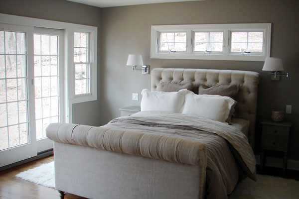Beach cottage master bedroom : monochromatic-color-scheme-room - designwebi.com