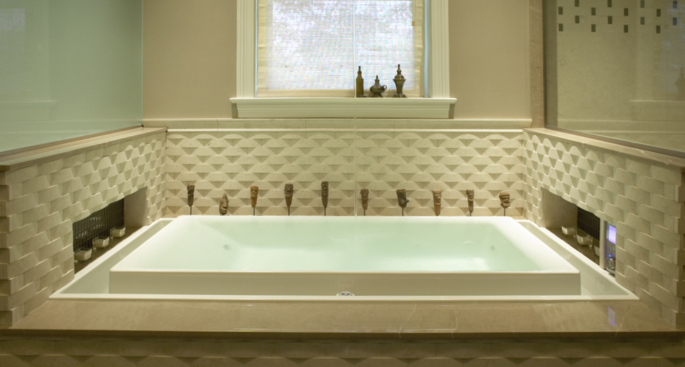 Tips For Choosing a Bathtub | A Little Design Help