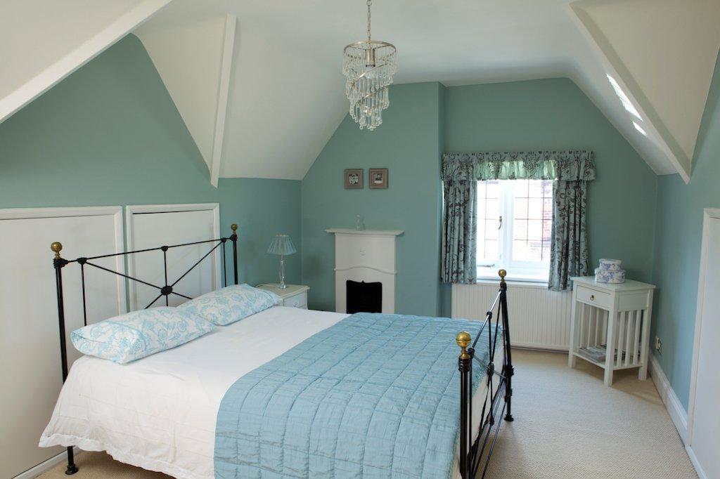 paint in the bedroom