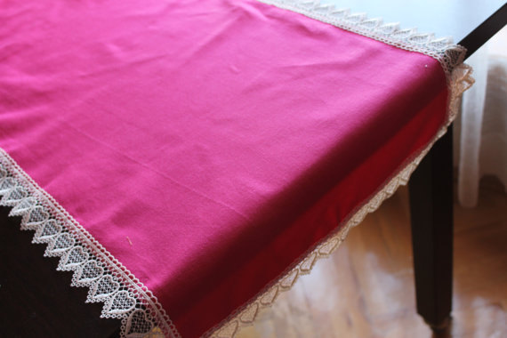 fuchsia table runner