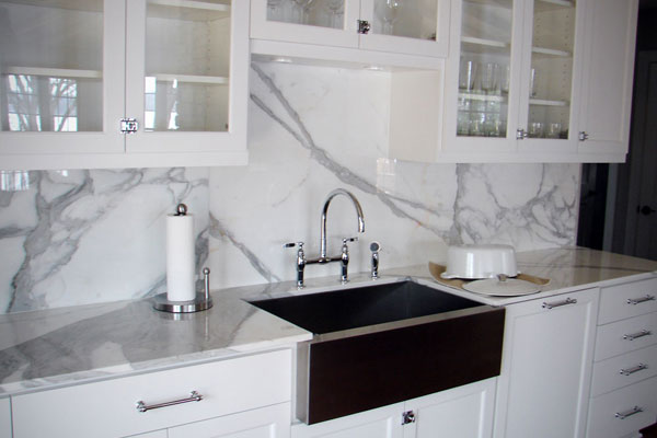 Countertop Outlet : ... countertop-electrical-outlet/countertop-electrical-outlet-with-wall