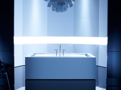 Chromatherapy bathtub