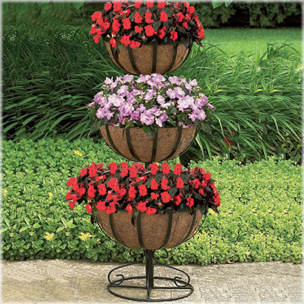 Guest post 5 home accessories for spring a little - Tier plant stand outdoor ...