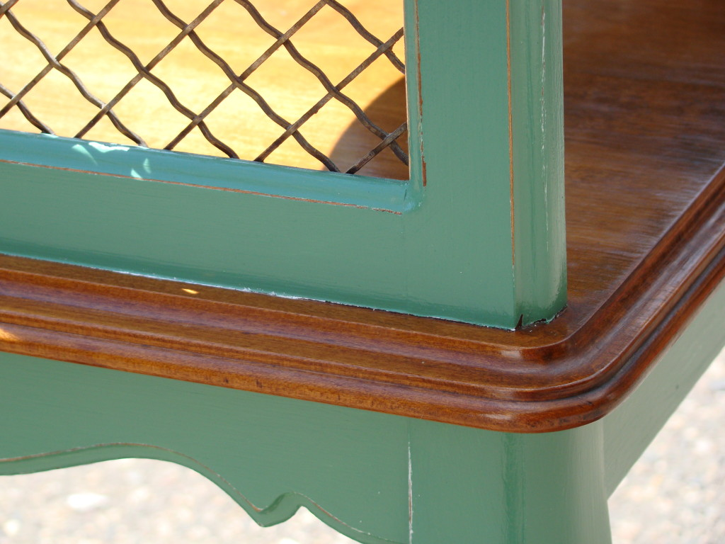 French table detail