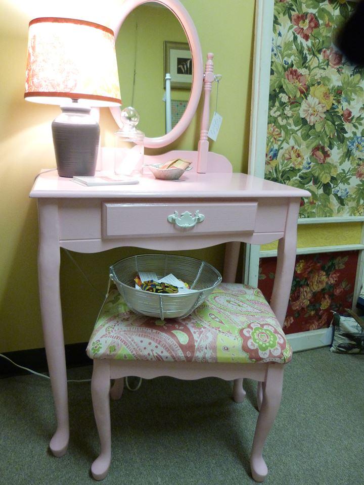 pink vanity and stool