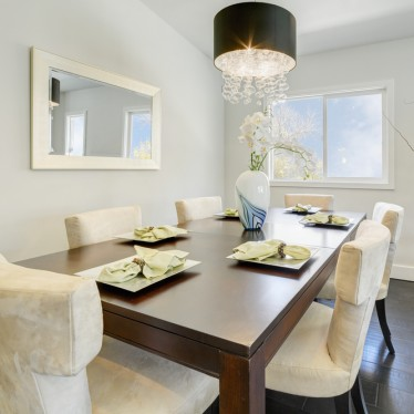 lighting a dining room